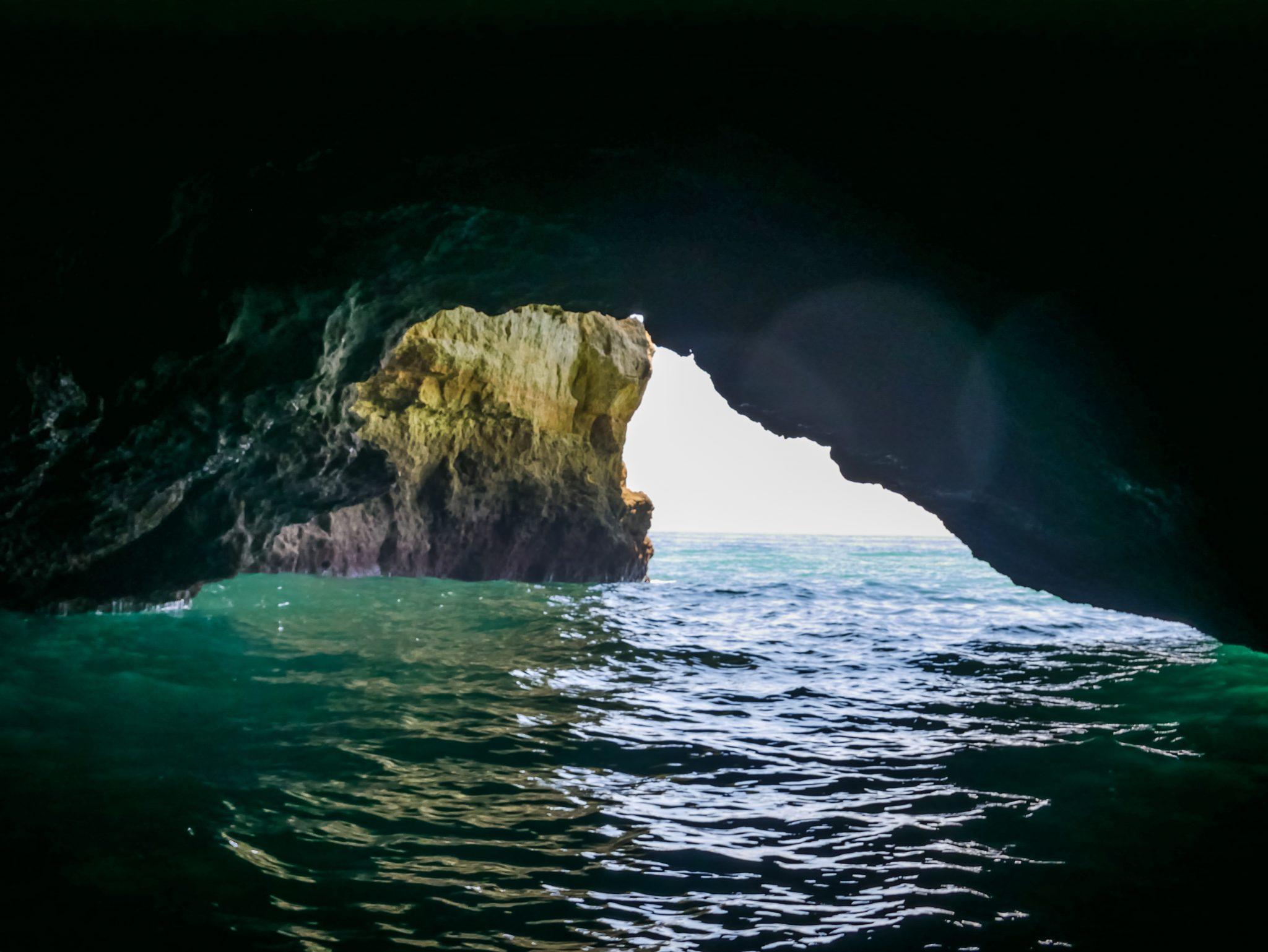 Während der Tour wirst du sehr viele Höhlen sehen können.